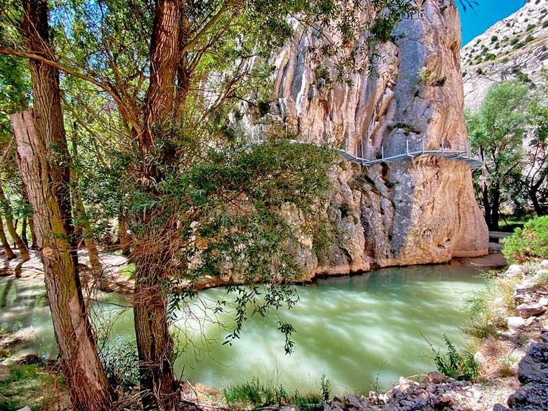 Ruta de senderismo por las pasarelas de Valloré